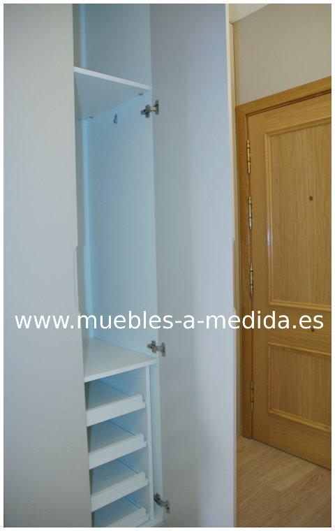Armario lacado empotrado a medida en barcelona - Armarios empotrados interiores fotos ...
