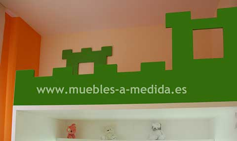 Mobiliario Infantil y Juvenil - Litera a Medida con forma de Castillo