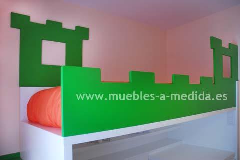 Litera Infantil - Juvenil A Medida con forma de Castillo