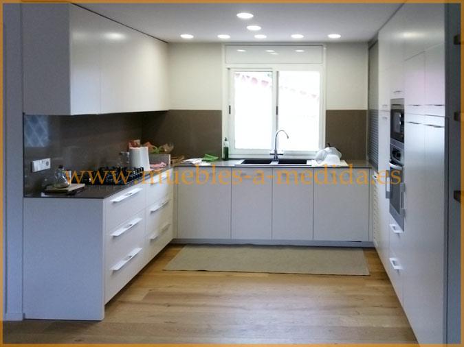 Muebles de Cocina Lacados a Medida