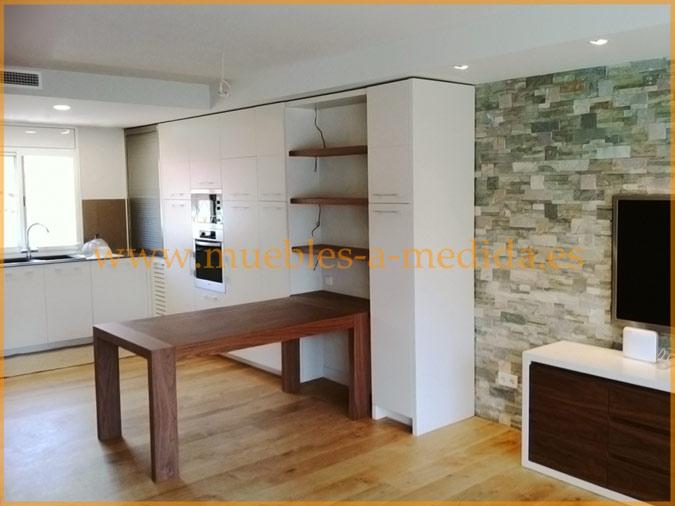 Muebles de cocina a medida for Unir cocina y salon